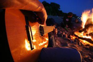 musikunterricht-halle-de-gitarre-lagerfeuerdiplom